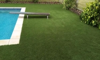 artificial grass swimming pool surround 2.jpg